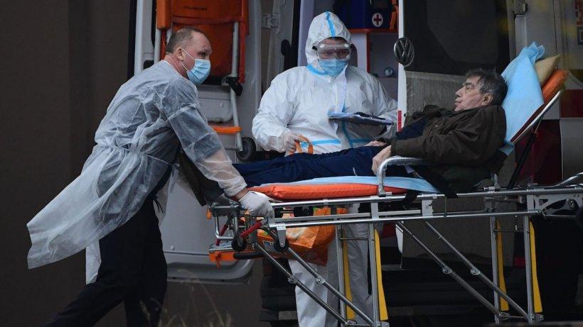 Coronavirus în România, 3 noiembrie 2020. Avem noi recorduri negative - Țara noastră a depășit 7.000 de cazuri de infecție