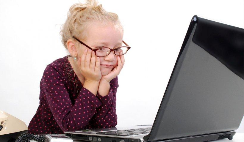 """O profesoară din Arad, despre şcoala on-line: """"Azi am fost foarte aproape s-o iau razna"""""""