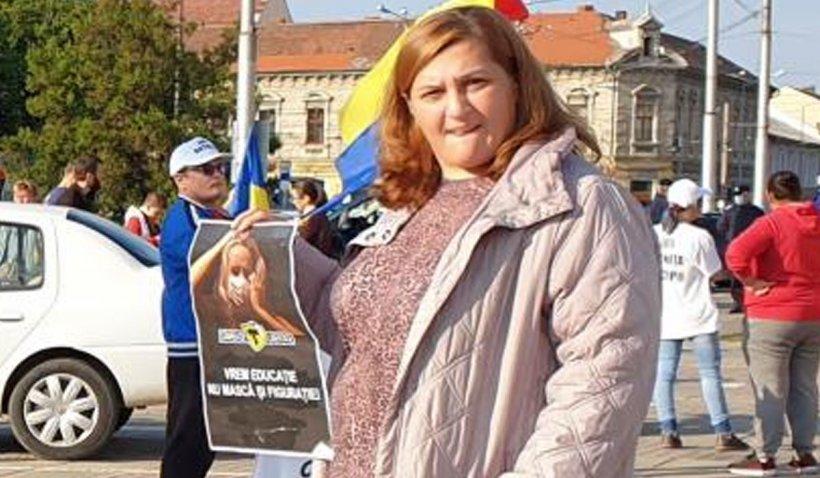 O profesoară din Oradea a refuzat să poarte masca de protecție la ore și i-a instigat și pe ceilalți profesori să facă la fel
