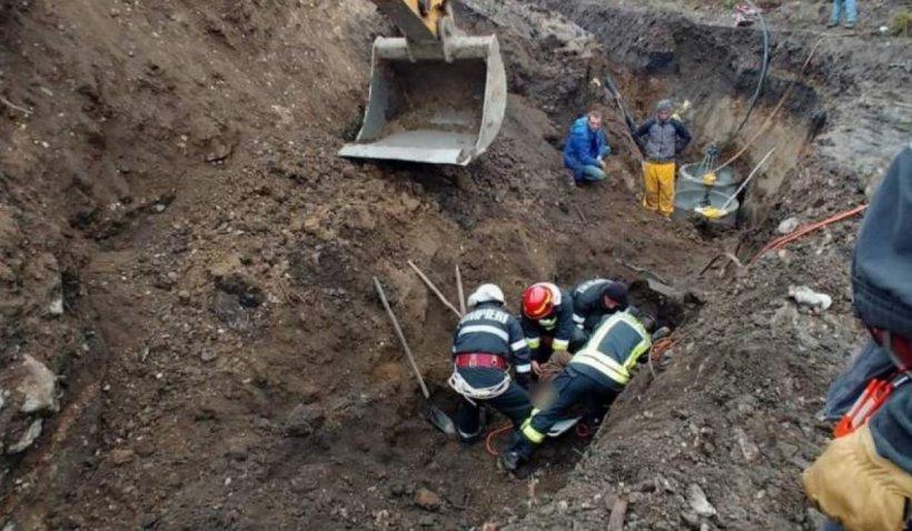 Un mal de pământ s-a surpat peste două persoane, în Râmnicu Vâlcea. Una dintre victime este inconștientă