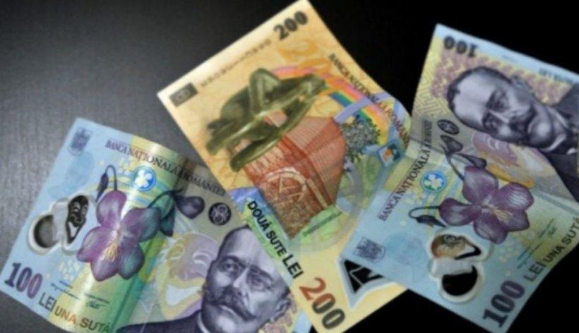 Angajaţii de la stat vor pierde bani dacă lucrează de acasă! Tăieri de salarii de câteva sute de lei