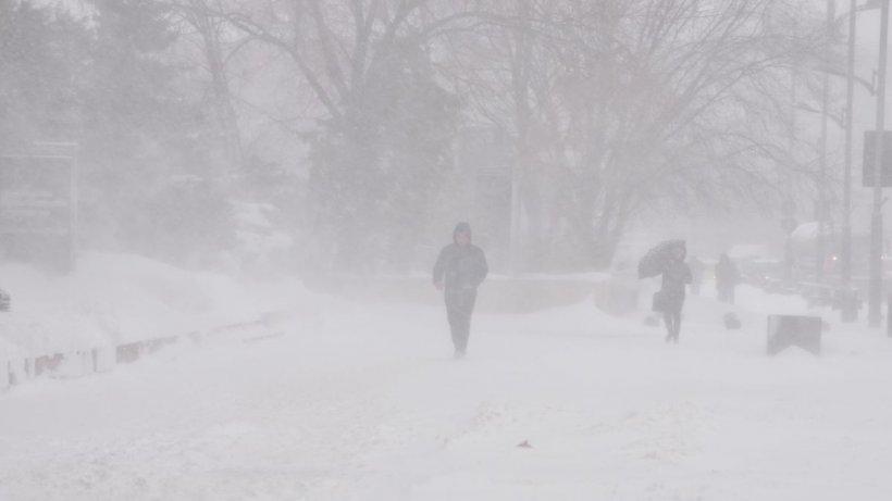 Alertă ANM: Cod galben de ninsori și viscol începând de mâine în România