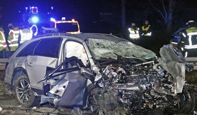 Doi români morţi într-un cumplit accident pe contrasens, pe o autostradă din Germania