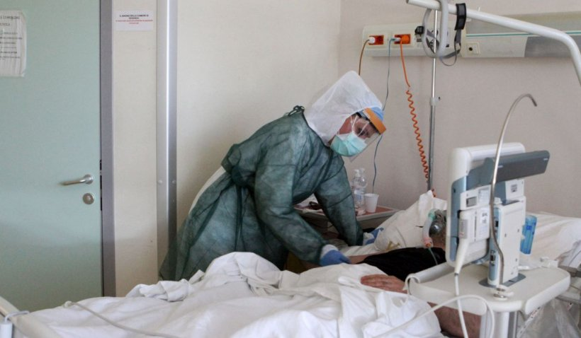 Primul pacient COVID-19 transferat în străinătate cu un charter privat
