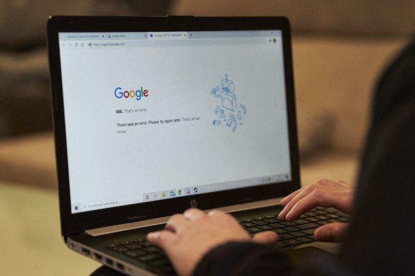 """""""De ce nu pot să dorm"""", formula cea mai des căutată pe Google în anul pandemiei"""