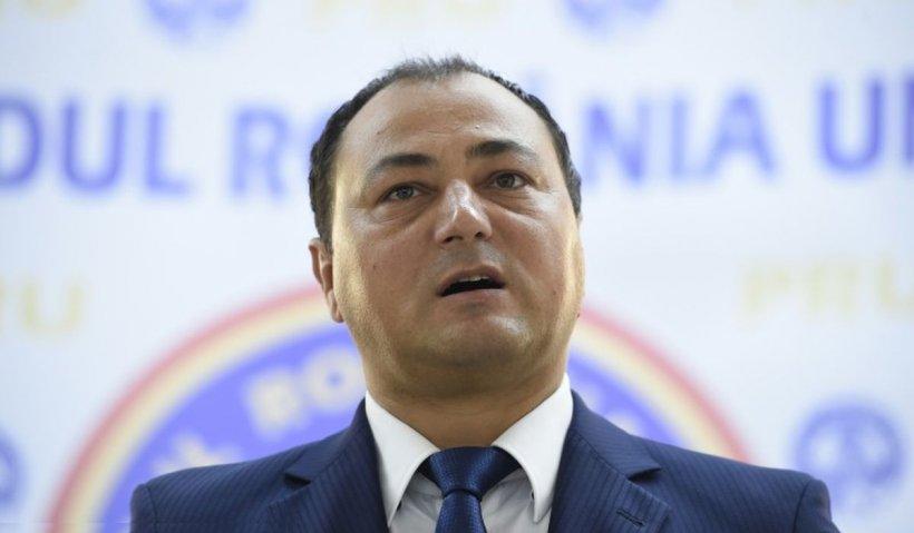 Mirel Palada, 9 luni de închisoare pentru că l-a lovit pe Mihai Goţiu într-o emisiune TV