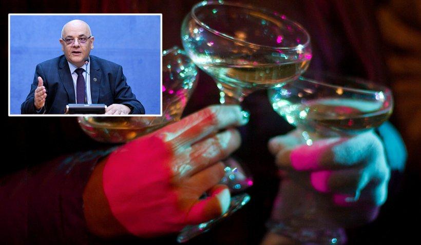 Raed Arafat, despre regulile de Revelion: Fără dansuri la hotel, fără mese festive. Controale ale poliţiştilor în hoteluri
