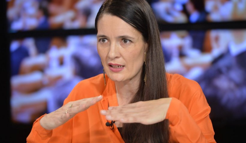 Clotilde Armand, o nouă idee controversată: vrea să facă şcoală într-un loc cu radiaţii peste limită
