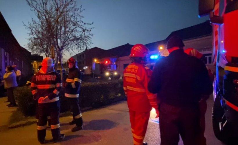 Explozie la un imobil din Timișoara. Un bărbat a rămas prins sub dărâmături