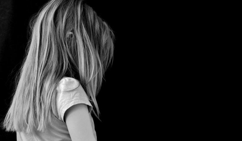 Fetiţă din Cluj, mângâiată de un necunoscut, salvată de un grup de mămici într-un parc din Mănăştur