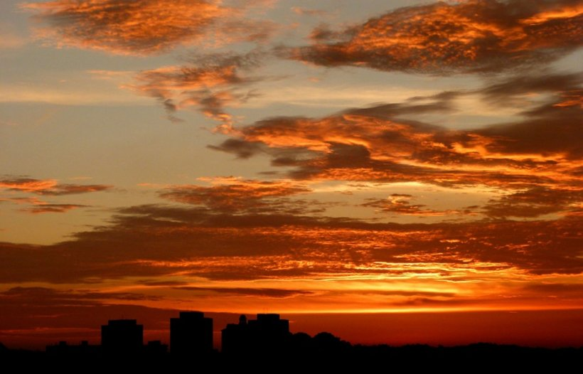 Avertismentul meteorologilor: Nor toxic deasupra României