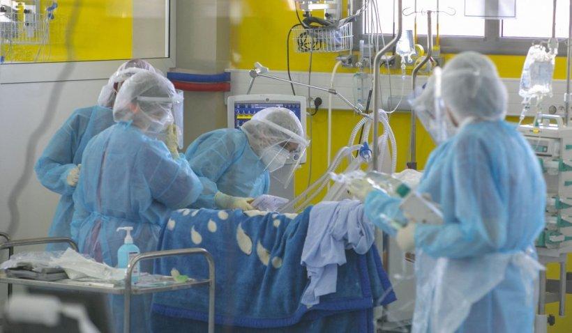 Fetiția din Vaslui, opărită cu borș moldovenesc, este în stare gravă la spital. A fost testată pentru COVID