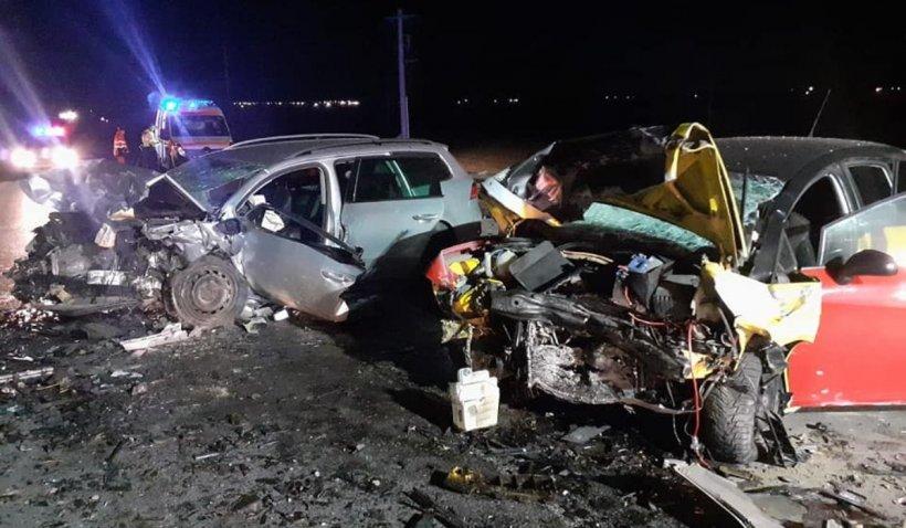 Impact devastator între două maşini, accident cumplit în Urziceni cu trei oameni încarceraţi