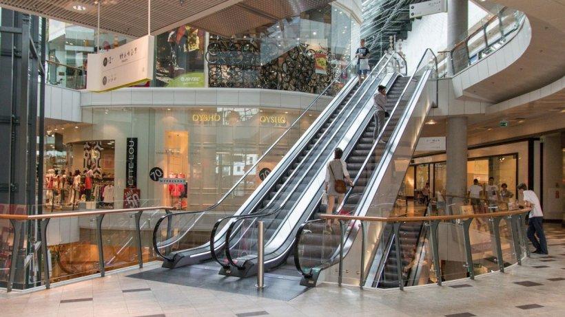 Chiriaşii din mall-uri, daţi în judecată pentru neplată