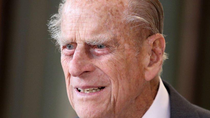 Prințul Philip a fost operat pe inimă. Va rămâne în spital mai multe zile pentru îngrijiri