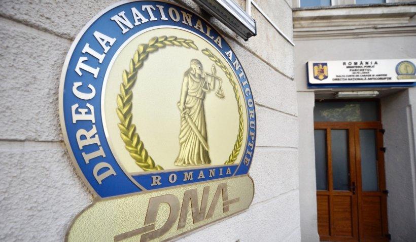 Șeful Serviciului Secret al MAI din Suceava a fost reţinut pentru luare de mită