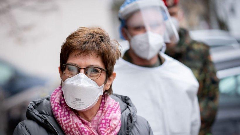 Crește rata de infectare în București. 5 județe sunt în scenariul roșu!