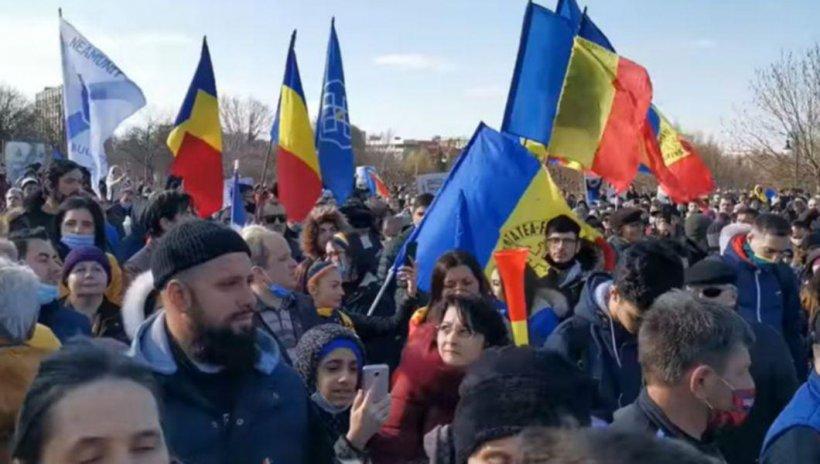 Amenzi pentru protestatarii de la Palatul Parlamentului
