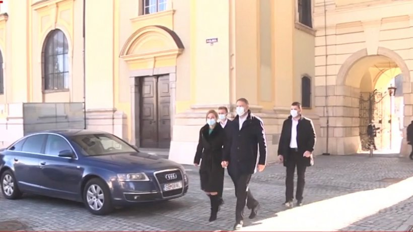 Klaus Iohannis, mesaj de 8 Martie. Șeful statului a fost prezent la biserica din Sibiu