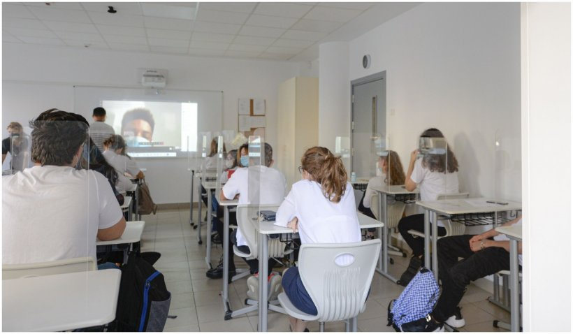 Ordin al Ministerului Educației: Cum se vor recupera orele și câți bani vor primi profesorii - Document