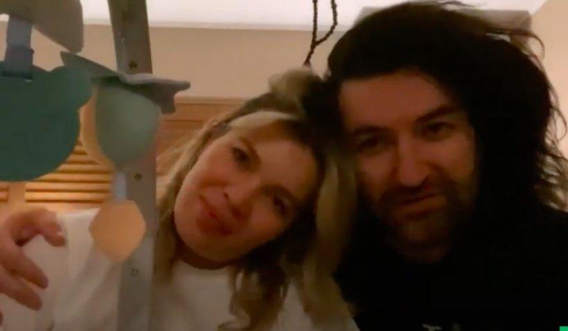 """Gina Pistol a născut! Mesajul video al lui Smiley: """"Suntem extrem de emoționați. Sperăm să putem să dormim în noaptea asta"""""""