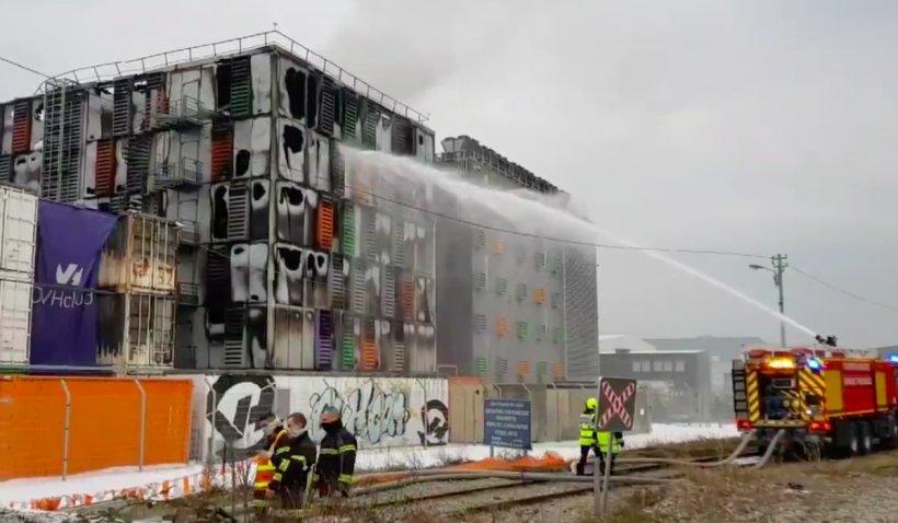 Incendiu de proporții la centrele de date din Strasbourg ale companiei OVH, care găzduiesc servere și pentru companii din România