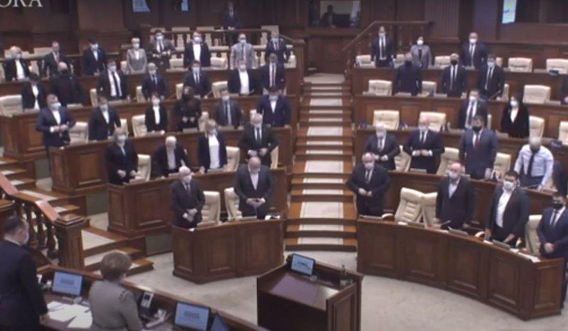 Parlamentul de la Chișinău, victima unui fake news rusesc. Moment de reculegere în memoria unui scriitor care n-a murit