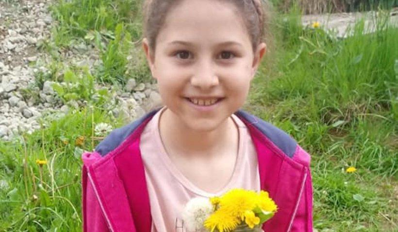 """O fetiţă de clasa a II-a din Tureac a murit acasă, după ce s-a îmbolnăvit de COVID: """"Nu va mai spune prezent niciodată"""""""