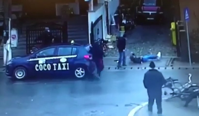 Tânără mamă, bătută cu bestialitate în plină stradă, în Bistriţa-Năsăud, după ce s-a întors din Germania   VIDEO