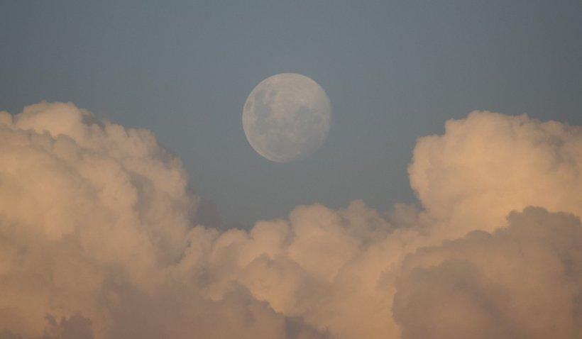 Perioadele cu Lună Plină în 2021. La ce să se aștepte zodiile și cum se pot pregăti