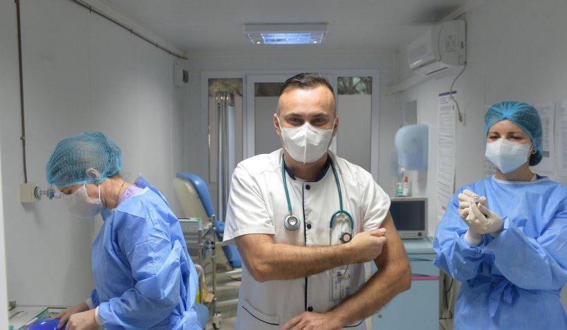 Medicul Adrian Marinescu, despre serul AstraZeneca: Trombozele apar și la persoanele nevaccinate   VIDEO