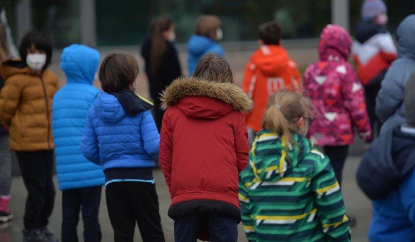 Copiii pandemiei: Starea de urgență, văzută prin ochii elevilor români. Frica, cel mai mare dușman   VIDEO