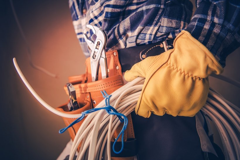 De ce ar trebui sa alegi un electrician profesionist?
