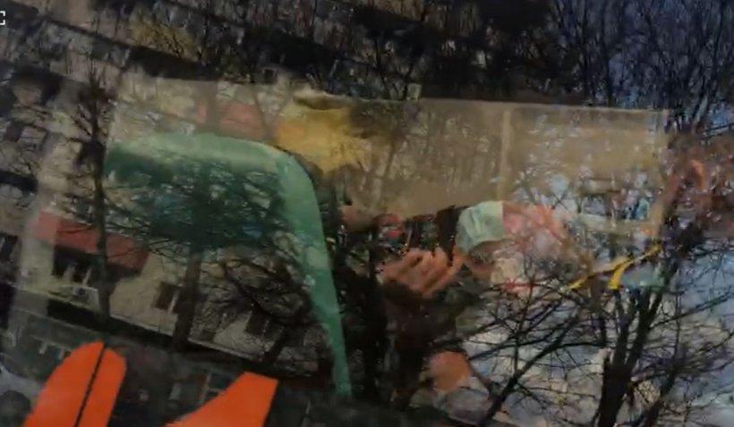 Primele imagini cu femeia care a atacat-o cu un bolovan, în direct, pe Mirela Vaida | VIDEO