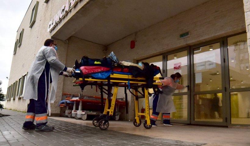 Doi pacienţi cu COVID au murit în timp ce aşteptau un loc liber la ATI, la Craiova