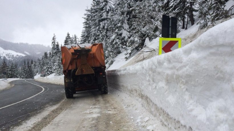 Zăpadă de 5 metri în România: Directorul ANM: ''Iarna va mai dura''