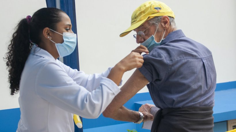 A luat trenul 800 km ca să se vaccineze. Bărbatul a mers de la Constanța până la Arad pentru a se imuniza mai repede