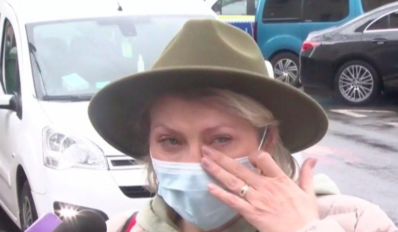 Mirela Vaida a izbucnit în lacrimi în fața secției de poliție: Am retrăit acele momente. Sunt încă în stare de șoc | VIDEO