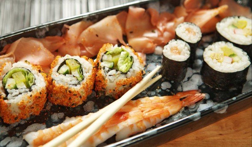 Sushi, mâncarea preferată a românilor în 2020. Cum prepari acasă   VIDEO