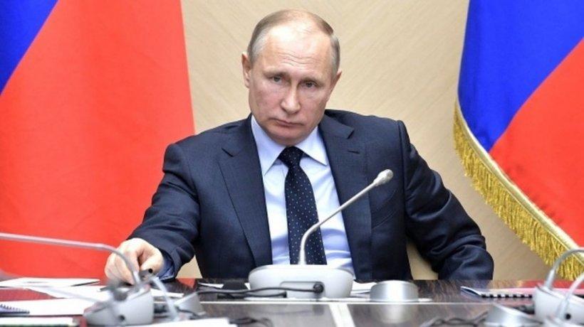 Vladimir Putin a fost vaccinat împotriva COVID-19. Nu se știe însă cu ce vaccin!