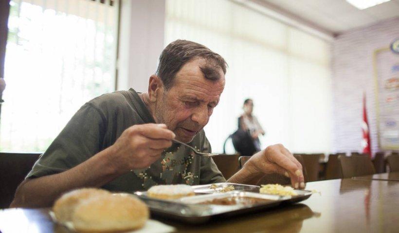 Italia oferă subvenții de peste 600 de euro pentru badantele și îngrijitorii casnici din Lazio