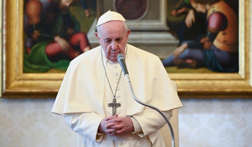 Papa Francisc, reduceri salariale pentru a salva posturile angajaţilor de la Vatican