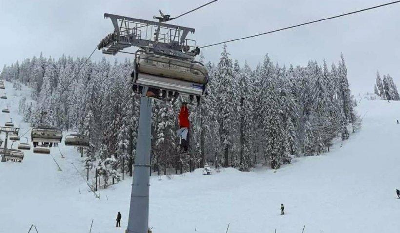 Un turist iresponsabil a vrut să sară din telescaun, după ce i-a căzut un schi