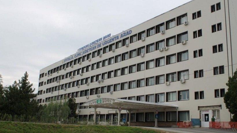 Acuzații grave la Spitalul Arad. Aparținătorii susțin că trebuie să semneze un document suspect pentru a ridica trupurile neînsuflețite ale rudelor