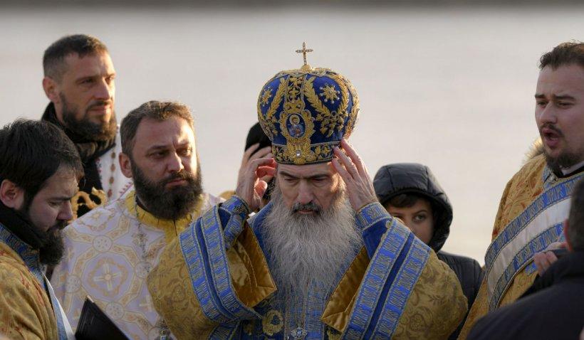 """ÎPS Teodosie, reacţie după propunerea ca bisericile să se închidă de Paşte la ora 2 dimineaţa: """"Cu Dumnezeu nu negociem. Nici turcii, nici comuniştii nu ne-au interzis sărbătorile!"""""""