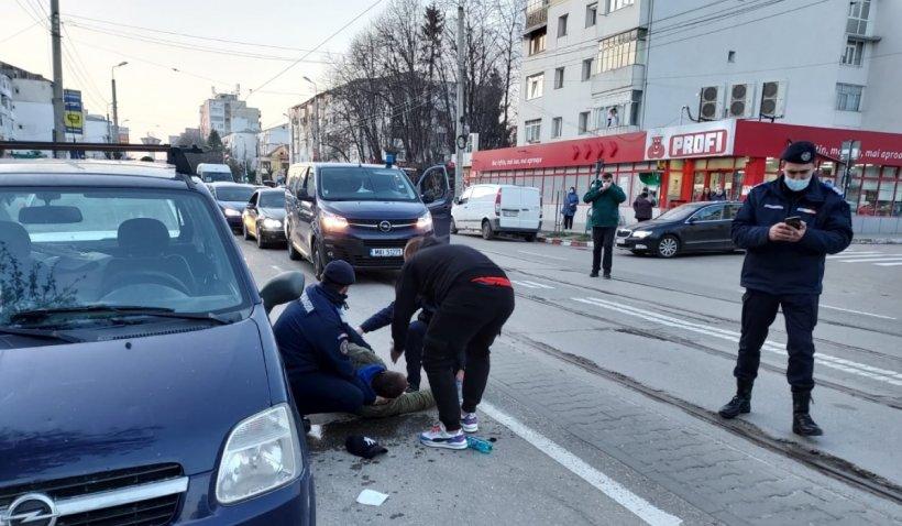 Jandarmii au acordat primul ajutor unui bărbat căruia i s-a făcut rău la manifestațiile anti-restricții din Botoșani