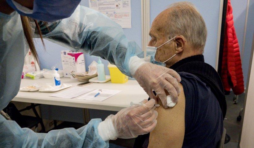 Gheorghiță: Vaccinarea la cabinetele medicilor de familie nu se va face prin programare pe platformă