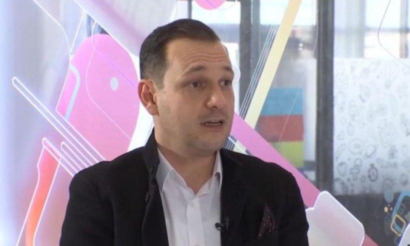 """Medicul Radu Țincu: """"Vom ajunge să stăm toată săptămâna în casă și de la ore din ce în ce mai mici"""""""