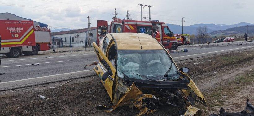 Grav accident rutier la Sibiu: Trei morți și o femeie însărcinată rănită, după un impact frontal
