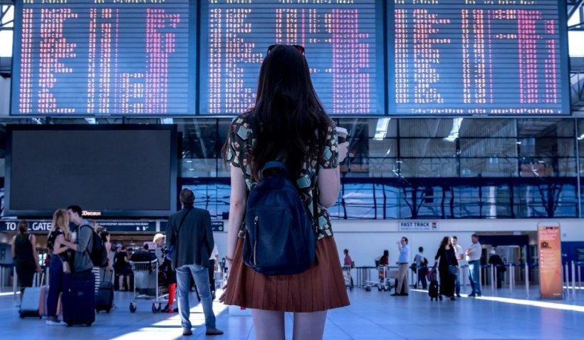 Agenție de turism din București, suspectată că vindea teste false COVID pentru clienții care mergeau în străinătate